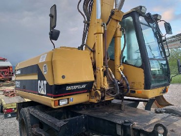 bager cat 318m